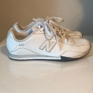 White New Balance light weight sneakers